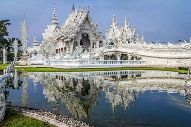 Wat Rong Khun: Templul budist, inspirat din filme SF - Poza 10
