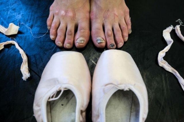 Sufletul picioarelor: Frumusetea nevazuta a baletului - Poza 2