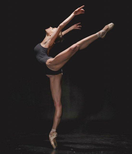 Sufletul picioarelor: Frumusetea nevazuta a baletului - Poza 24