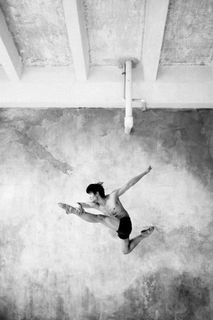 Sufletul picioarelor: Frumusetea nevazuta a baletului - Poza 4