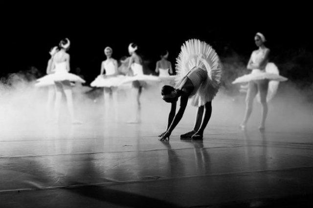 Sufletul picioarelor: Frumusetea nevazuta a baletului - Poza 9