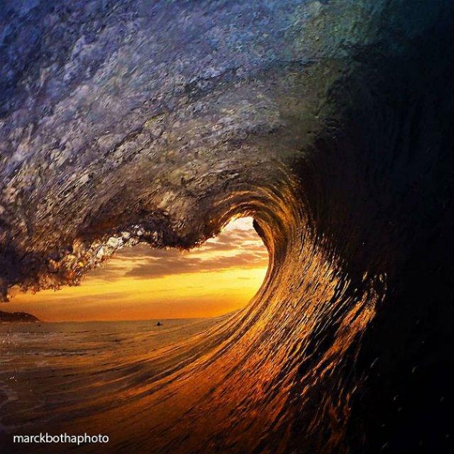 Lumea vazuta printre valuri - Poza 19