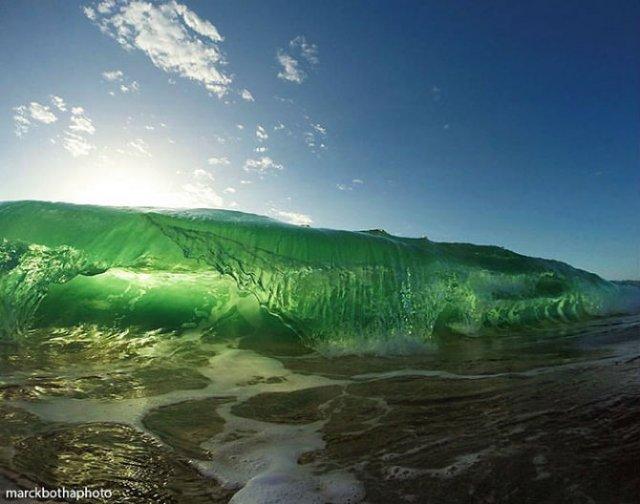 Lumea vazuta printre valuri - Poza 13