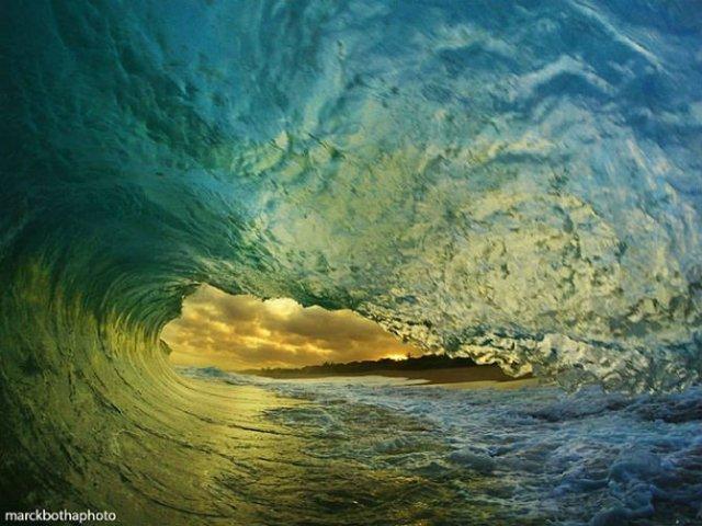 Lumea vazuta printre valuri - Poza 15