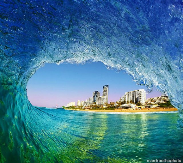Lumea vazuta printre valuri - Poza 17