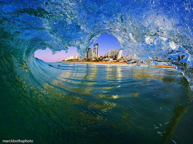Lumea vazuta printre valuri - Poza 3