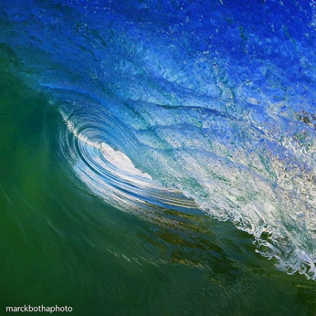 Lumea vazuta printre valuri - Poza 4