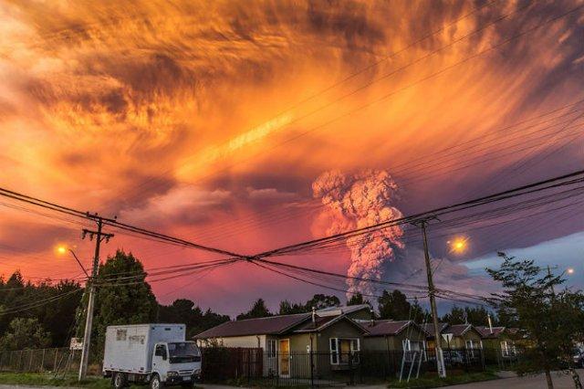 O manifestare nestapanita a vulcanului Calbuco, in 11 poze explozive - Poza 7