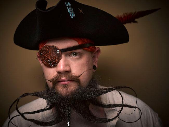 Barbi si mustati excentrice, intr-un pictorial haios - Poza 10
