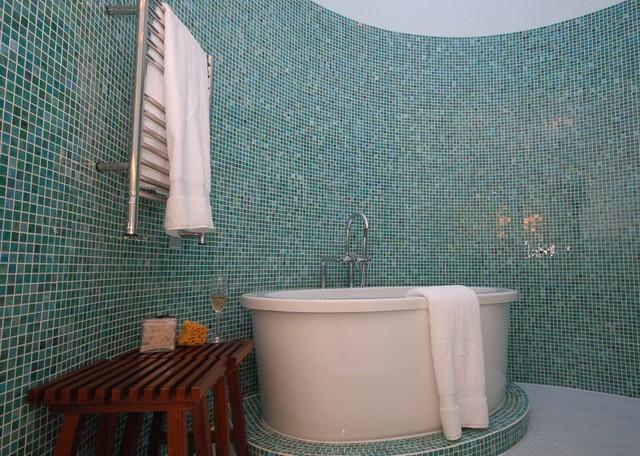 Idei geniale de amenajare a bailor cu mozaic - Poza 10