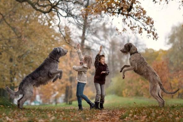 Copilasi si prieteni uriasi, in poze superbe - Poza 18