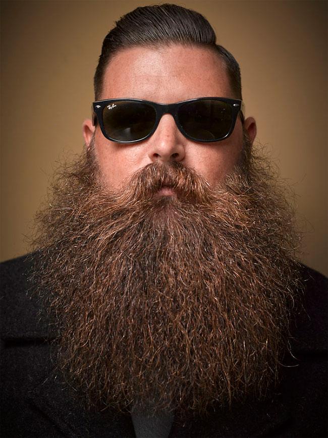 Barbi si mustati excentrice, intr-un pictorial haios - Poza 12