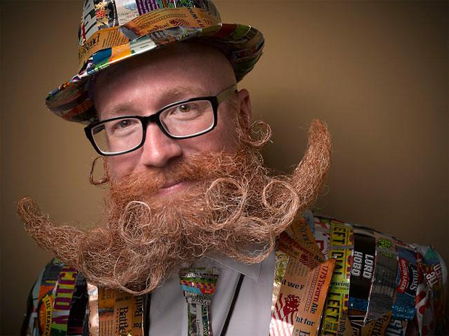 Barbi si mustati excentrice, intr-un pictorial haios - Poza 17