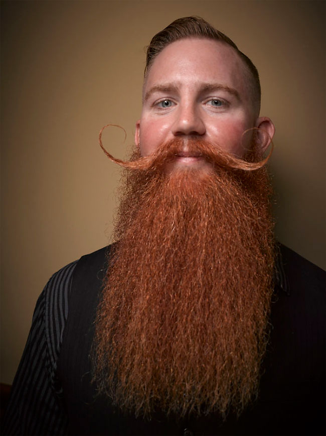 Barbi si mustati excentrice, intr-un pictorial haios - Poza 19