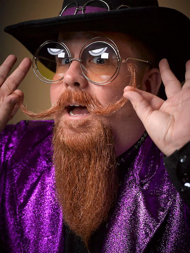 Barbi si mustati excentrice, intr-un pictorial haios - Poza 20