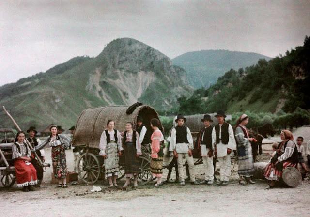Culorile unei Romanii cenusii: anii '30 in imagini idilice - Poza 24