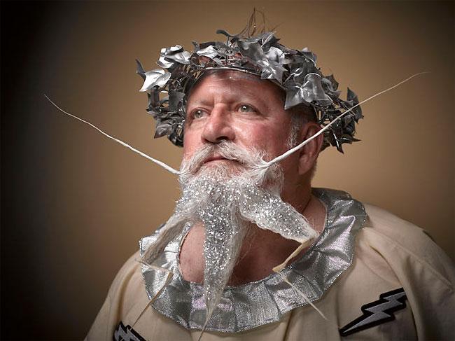 Barbi si mustati excentrice, intr-un pictorial haios - Poza 4