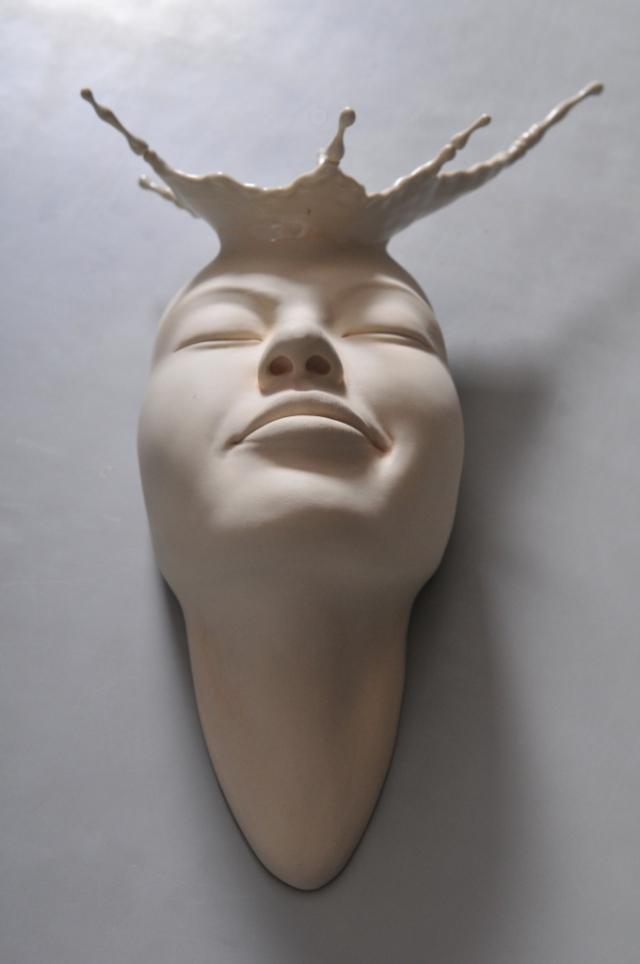 Minti deschise: Sculpturi suprarealiste din portelan - Poza 10
