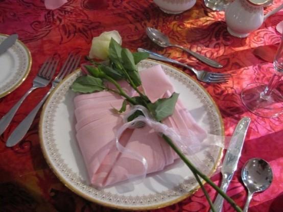 Idei de amenajare a mesei pentru cea mai romantica cina - Poza 11