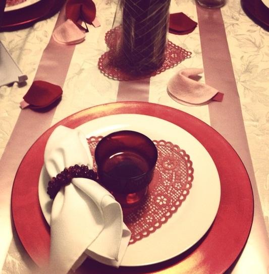 Idei de amenajare a mesei pentru cea mai romantica cina - Poza 13