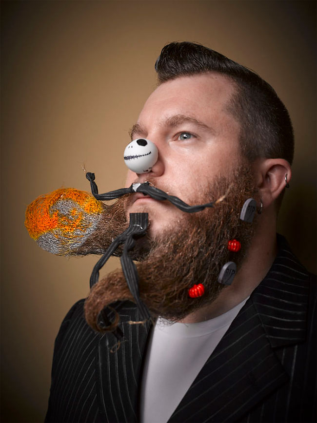 Barbi si mustati excentrice, intr-un pictorial haios - Poza 8