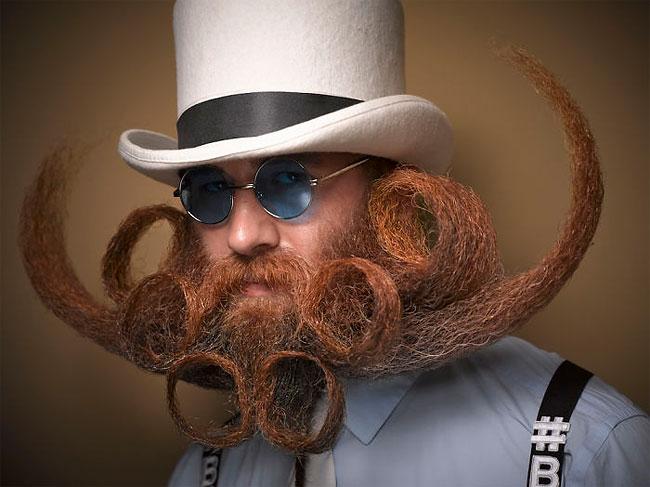 Barbi si mustati excentrice, intr-un pictorial haios - Poza 9