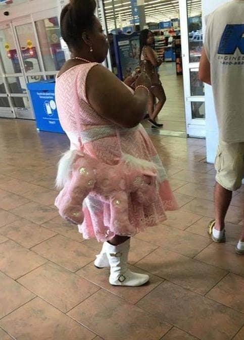 Stiluri vestimentare haioase ale celor care vor sa iasa din tipare - Poza 1