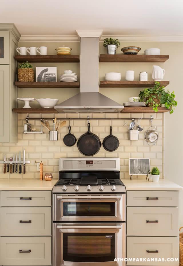 Idei de amenajare a bucatariei in stil rustic - Poza 1