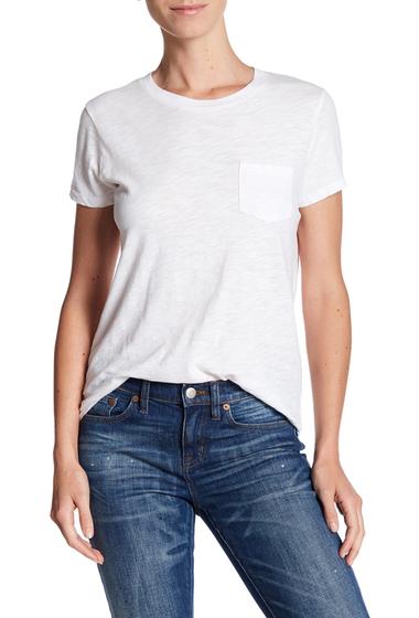 Sapte moduri chic de a purta un tricou alb - Poza 5